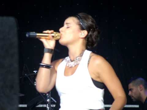 Nelly Furtado Live - Wait For You