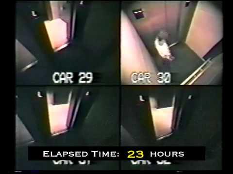 Телочка застряла в лифте, видео порно с влагалищем