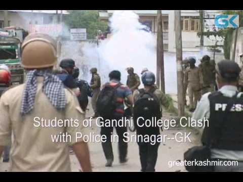 Students of Gandhi College Clash with Police in Srinagar