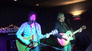 """Grant Lee Phillips & Howe Gelb """"Fuzzy"""" Live at 1.35 circa Cantù - 1.04.2015"""
