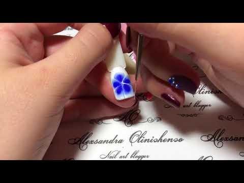 Как нарисовать цветок на ногтях видео