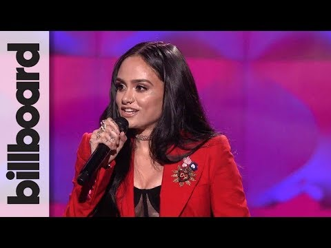 Kehlani Accepts Rule Breaker Award at Billboard's Women in Music 2017