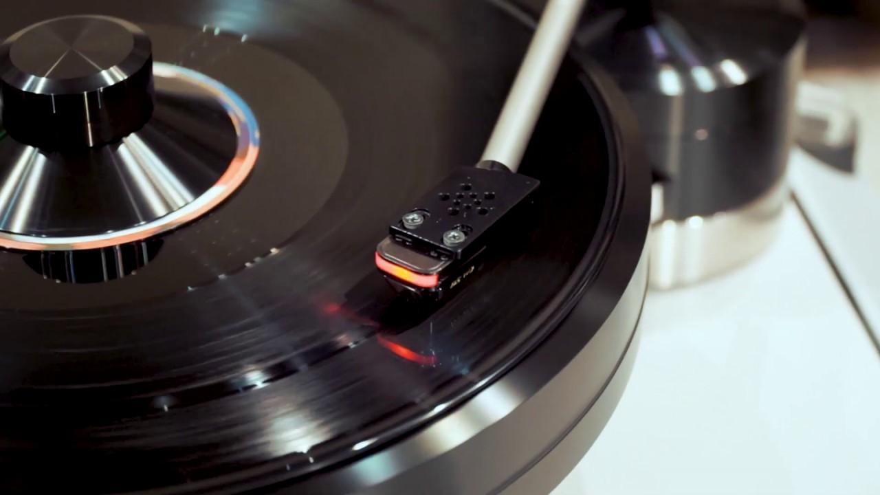 Cận cảnh DS Audio DS W2 – KIM ĐĨA THAN CÔNG NGHỆ QUANG HỌC ĐẦU TIÊN TẠI VIỆT NAM