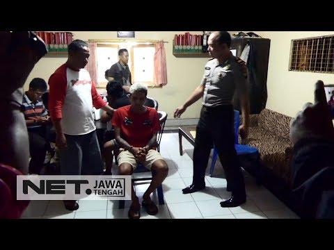 Pacar Pemandu Lagu Cemburu, Pelanggan Karaoke Ditikam - NET JATENG Mp3