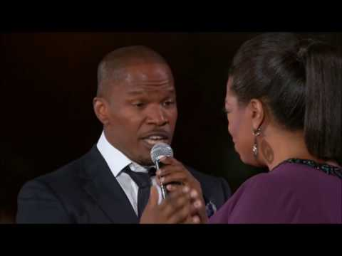 "Jamie Foxx, Stevie Wonder sing ""Isn't She Lovely"" to Oprah Winfrey"