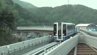 釜山都市鉄道4号線4000系 東釜山大学駅入線~発車(美南行き)