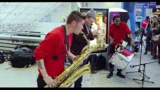 Too Many Zooz @ Gare SNCF de Rennes, France