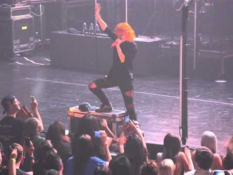16/21 Paramore - Miracle @ Beacon Theatre, NYC 5/06/15 Writing the Future Tour