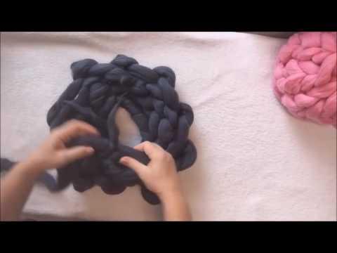 arm knit Hat & shawl whit giant merino yarn