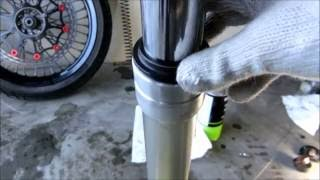 kawasaki KLX250 D-tracker front fork oil seal replacement removal フロントフォーク メンテナンス