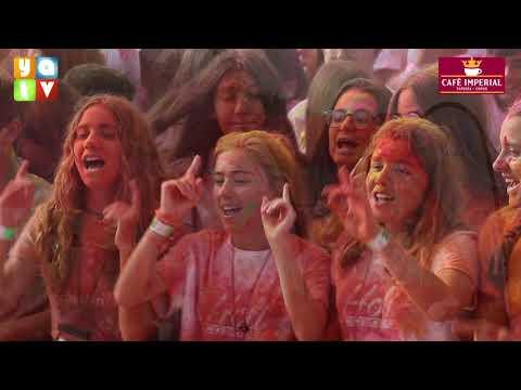 Más de 1 000 jóvenes disfrutan del festival Holi Colours Spain