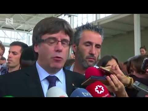 Catalans cheer as Rajoy slams independence vote