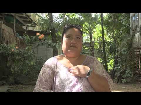 Pingelapese language identity and status