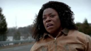 Rosa escapes from prison and kills Vee (Orange Is The New Black, Season 2)