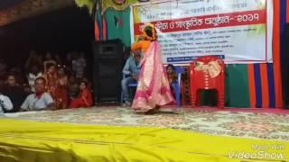 Download Video অসাধারণ একটি নাচ ছোট মেয়ের MP3 3GP MP4