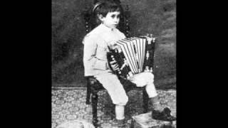 Antonio Soria plays Op.21, Niñerías: V) Danza de muñecas (Joaquín Turina)