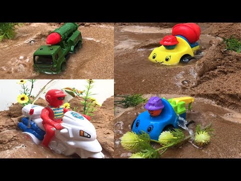 Toys to build vehicle search facilities in sand Construction sand erosion clean children's toy cars