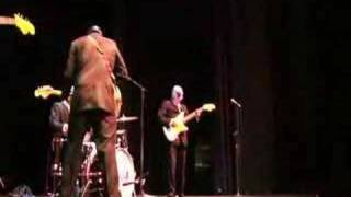 Los Straitjackets - Out of Limits