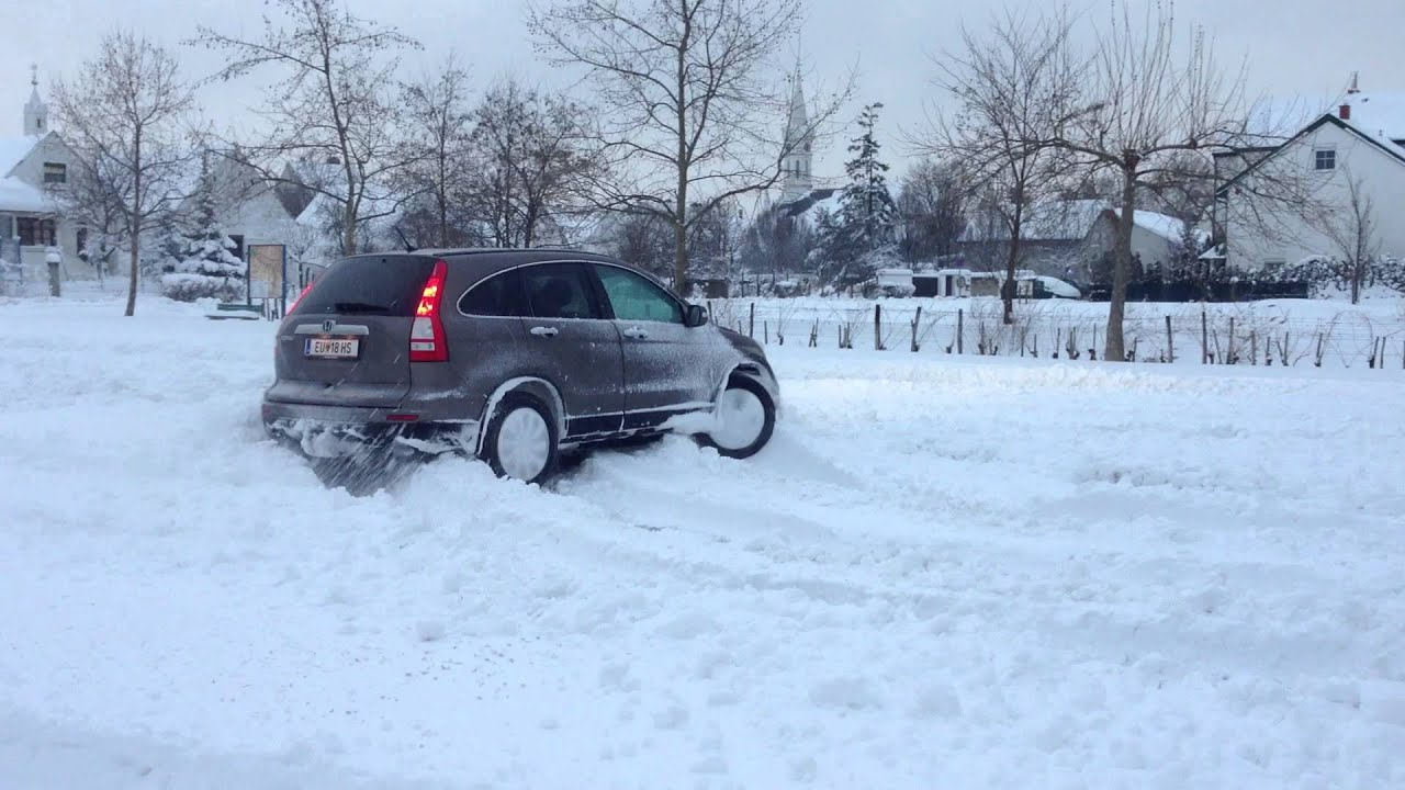 honda crv snow drifting    youtube