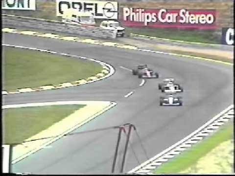 1989 - Hungaroring - Nigel Mansell overtakes Ayrton Senna for the lead