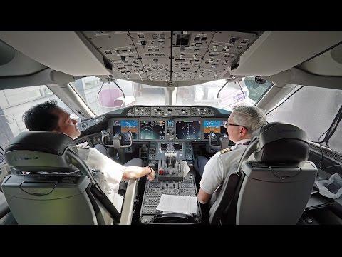 Incredible Wingflex! Qatar Boeing 787-8 [A7-BCN] Business Class Takeoff from Copenhagen Airport