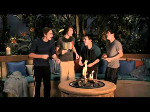 Big Time Rush The Giant Turd song (in Niderland) HD