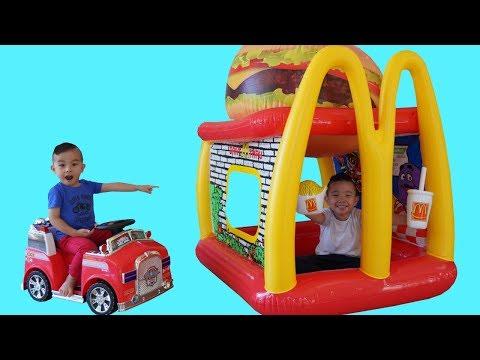 Giant Burger McDonalds Drive Thru Prank Pretend Play With CKN Toys