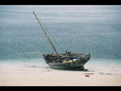 ZANZIBAR island : In the land of dhows