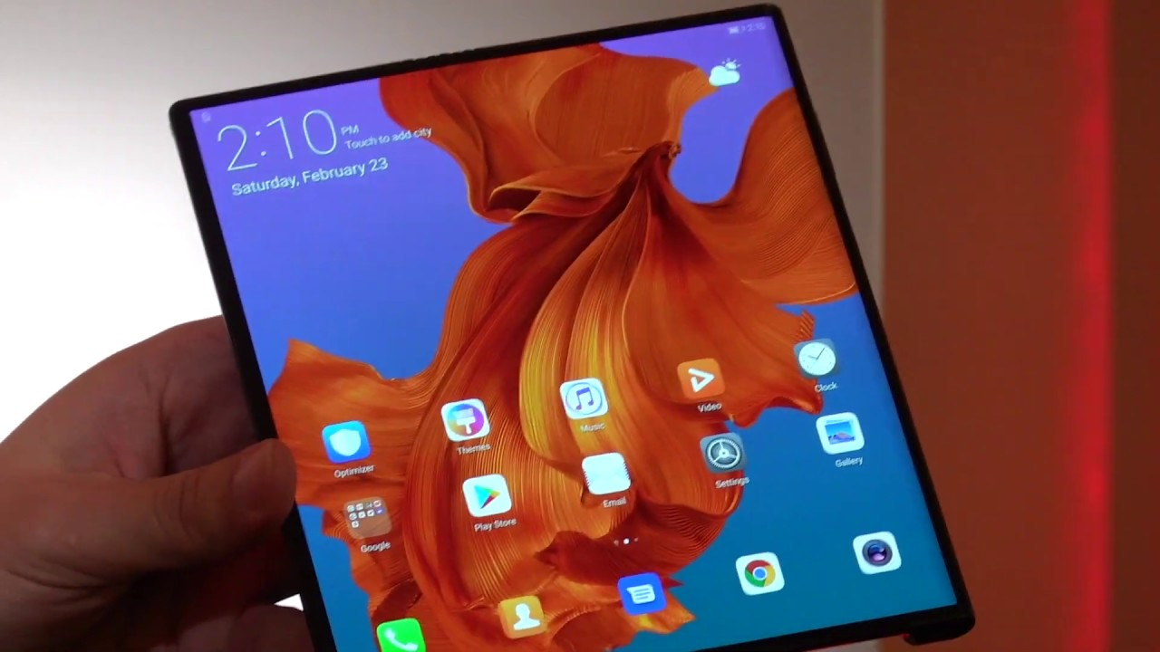 First look at the Huawei Mate X foldable phone