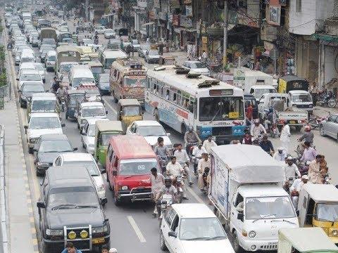 Traffic jam troubles citizens across Lahore