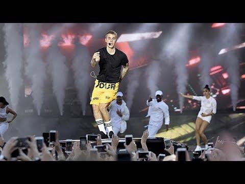 JUSTIN BIEBER DANCING WITH FANS IN DENMARK (Aarhus - 05-06-17)