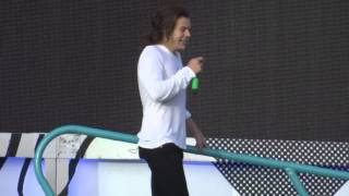 Download lagu Better Than Words - One Direction - OTRA Horsens 16/06/2015