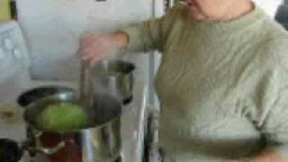Preparing Cabbage for Cbg. Rolls.pds.mov