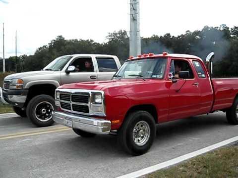 Gmc Vs Chevy >> 2002 GMC Duramax vs 1993 Dodge Cummins Turbo Diesel Drag ...