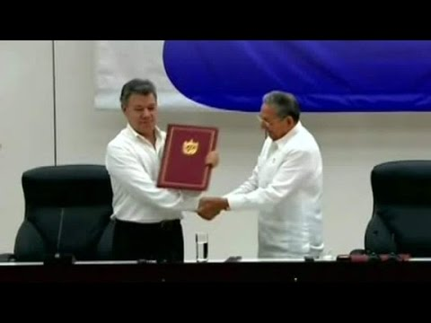 Colombia, FARC ceasefire deal signed in Cuba