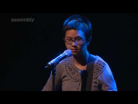 Charlyne Yi  Dances On The Moon