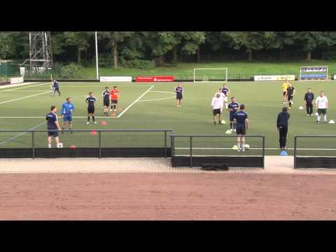 Fussballtraining mit Peter Hyballa - 20er-Gitter (1)