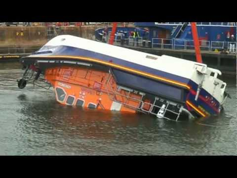 Lifeboat Capsize test