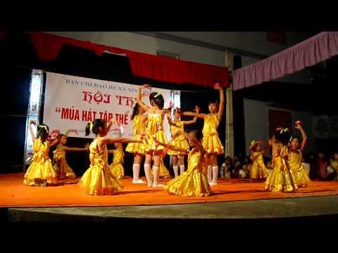 Hoi thi mua hat tap the he 2011, doan xa Ninh Hiep.MOV