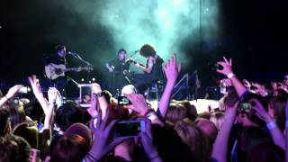 Fall Out Boy : Nobody Puts Baby In The Corner (Acoustic) Birmingham NIA 16/03/2014