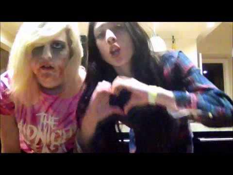 Chloe&Jess - Love Bites - the Midnight beast
