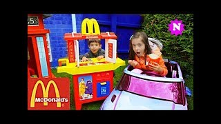 MCDONALDS DRIVE THRU Pretend Play Kids Fun