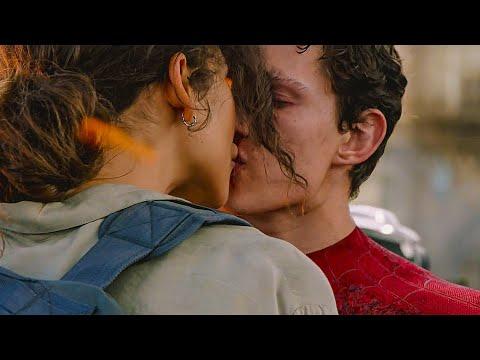 Поцелуй Питера Паркера и ЭмДжей. Человек-Паук: Вдали от дома. 2019