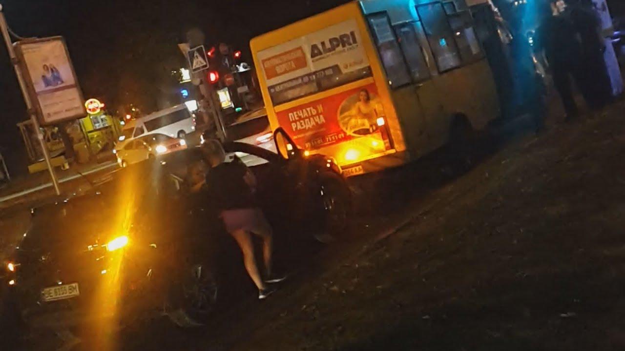 В Харькове произошло ДТП с участием автоцистерны и маршрутки, есть жертвы