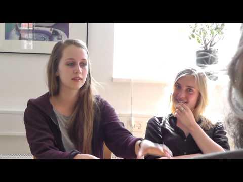 """Julie og Emilie fortæller om en specielt """"svær"""" scene i You & Me Forever"""