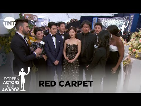 Cast of Parasite: Red Carpet Interview | 26th Annual SAG Awards | TNT