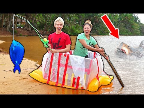 ISLAND BOX FORT VS OCEAN!!