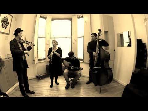 """Swing 39"" (Django Reinhardt) - Ama Bazar"