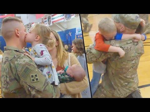 JT Bosch - WATCH: These 300 soldiers receive a heroes welcome from their families