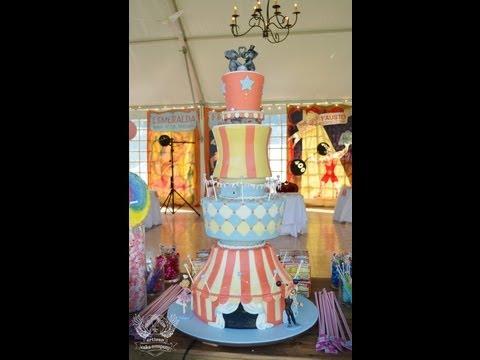 vintage-carnival-wedding-cake